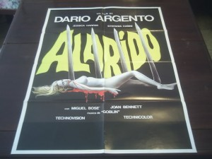Poster para la versión hispano parlante de Suspiria